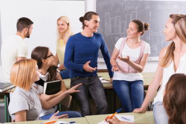 オンライン英会話の講師を選ぶポイントは話しやすさと分かりやすさ